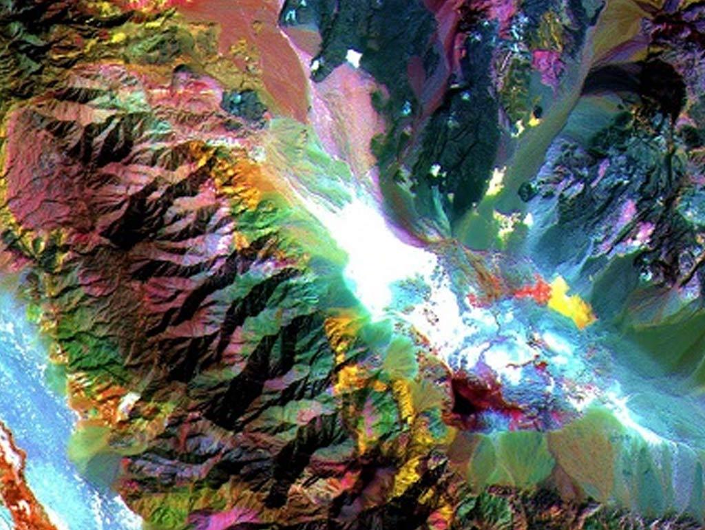 دانلود تصاویر ماهواره ای استر