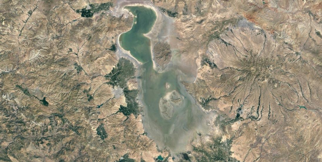 مخاطرات خشک شدن دریاچه ارومیه